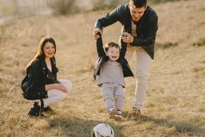 как развивать крупную моторику у ребенка